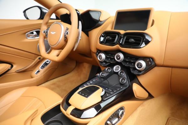 New 2021 Aston Martin Vantage Roadster for sale $174,586 at Alfa Romeo of Westport in Westport CT 06880 16