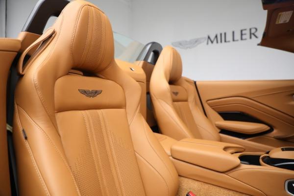 New 2021 Aston Martin Vantage Roadster for sale $174,586 at Alfa Romeo of Westport in Westport CT 06880 17