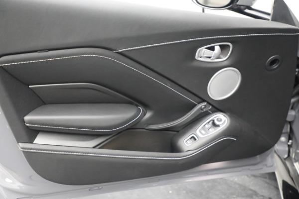 New 2021 Aston Martin Vantage Roadster for sale $180,286 at Alfa Romeo of Westport in Westport CT 06880 16