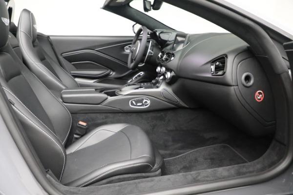New 2021 Aston Martin Vantage Roadster for sale $180,286 at Alfa Romeo of Westport in Westport CT 06880 19