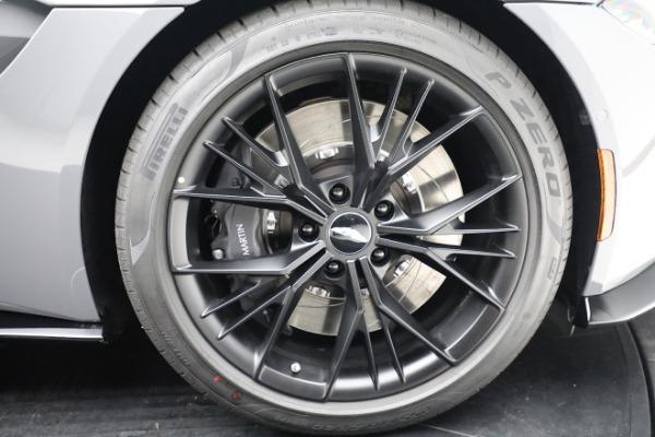 New 2021 Aston Martin Vantage Roadster for sale $180,286 at Alfa Romeo of Westport in Westport CT 06880 27