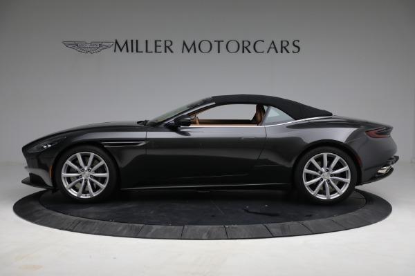 Used 2019 Aston Martin DB11 Volante for sale $212,990 at Alfa Romeo of Westport in Westport CT 06880 17