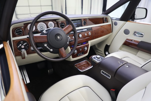 Used 2015 Rolls-Royce Phantom Drophead Coupe for sale Call for price at Alfa Romeo of Westport in Westport CT 06880 27