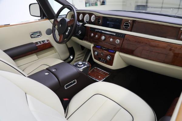 Used 2015 Rolls-Royce Phantom Drophead Coupe for sale Call for price at Alfa Romeo of Westport in Westport CT 06880 28