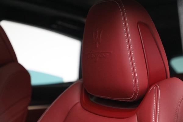 New 2022 Maserati Levante Trofeo for sale $155,045 at Alfa Romeo of Westport in Westport CT 06880 16