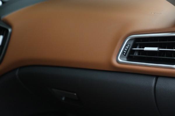 New 2022 Maserati Ghibli Modena Q4 for sale $86,645 at Alfa Romeo of Westport in Westport CT 06880 27