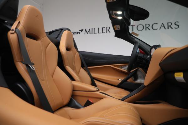 New 2022 McLaren 720S Spider for sale $382,090 at Alfa Romeo of Westport in Westport CT 06880 25
