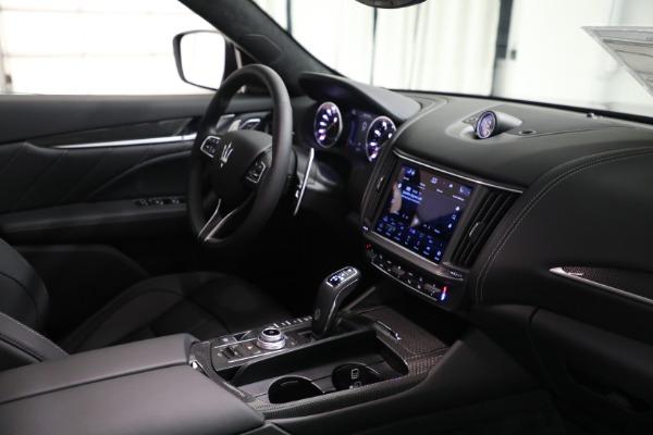 New 2022 Maserati Levante Modena for sale $108,775 at Alfa Romeo of Westport in Westport CT 06880 16