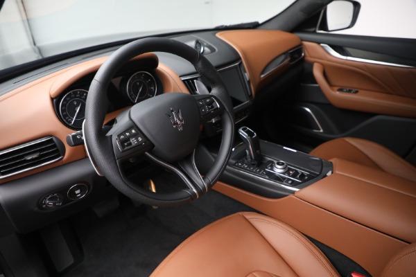 New 2022 Maserati Levante Modena for sale $104,545 at Alfa Romeo of Westport in Westport CT 06880 13