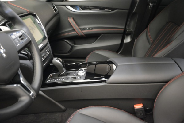 Used 2017 Maserati Ghibli S Q4 - EX Loaner for sale Sold at Alfa Romeo of Westport in Westport CT 06880 15