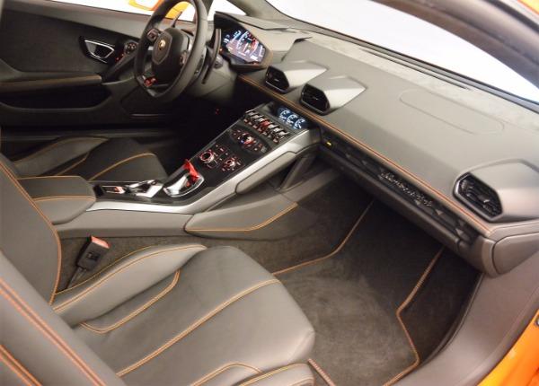 Used 2015 Lamborghini Huracan LP 610-4 for sale Sold at Alfa Romeo of Westport in Westport CT 06880 17