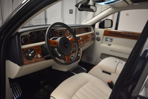 Used 2011 Rolls-Royce Phantom for sale Sold at Alfa Romeo of Westport in Westport CT 06880 10