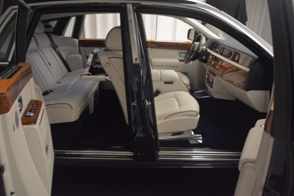 Used 2011 Rolls-Royce Phantom for sale Sold at Alfa Romeo of Westport in Westport CT 06880 18