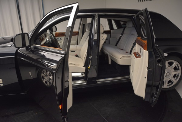 Used 2011 Rolls-Royce Phantom for sale Sold at Alfa Romeo of Westport in Westport CT 06880 5