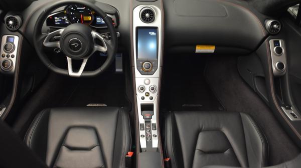 Used 2013 McLaren 12C Spider for sale Sold at Alfa Romeo of Westport in Westport CT 06880 25