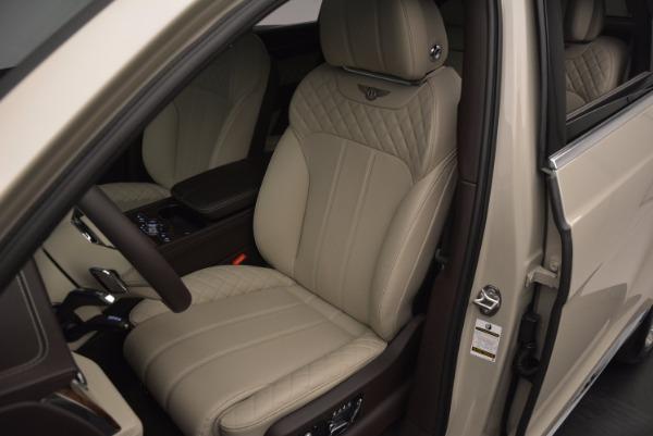 Used 2017 Bentley Bentayga for sale Sold at Alfa Romeo of Westport in Westport CT 06880 17