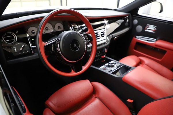 Used 2017 Rolls-Royce Ghost for sale $209,900 at Alfa Romeo of Westport in Westport CT 06880 16