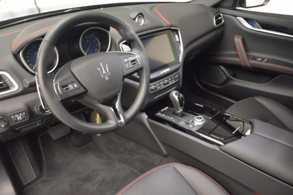 Used 2017 Maserati Ghibli S Q4 for sale Sold at Alfa Romeo of Westport in Westport CT 06880 14