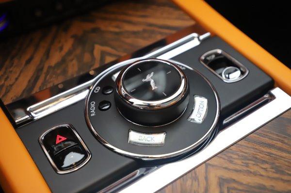 Used 2017 Rolls-Royce Dawn for sale $239,900 at Alfa Romeo of Westport in Westport CT 06880 27