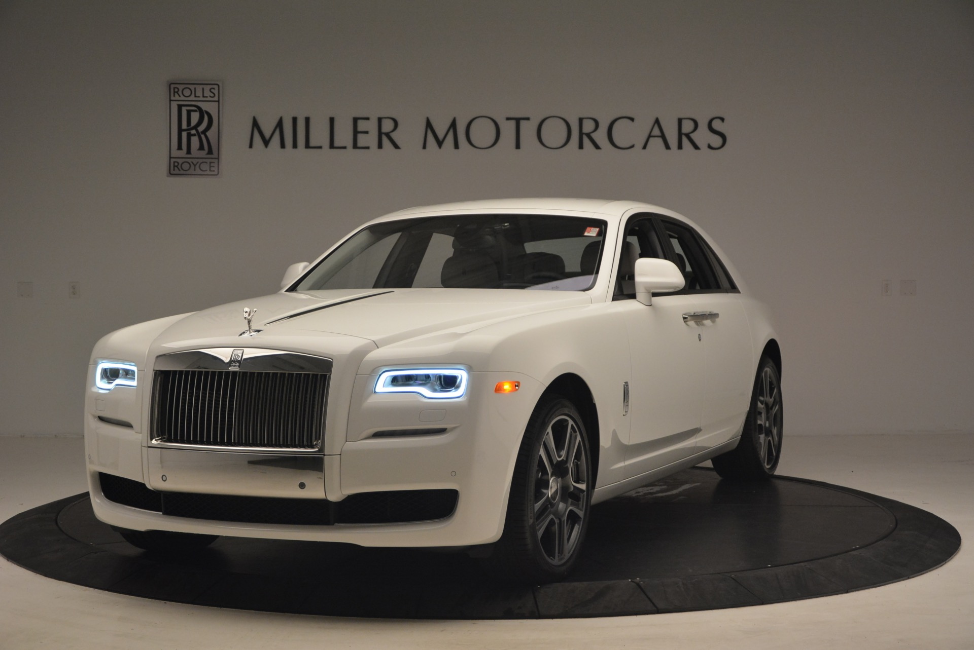 Used 2017 Rolls-Royce Ghost for sale Sold at Alfa Romeo of Westport in Westport CT 06880 1